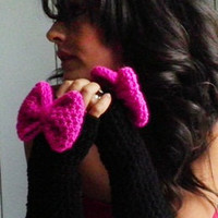 Bow Fingerless Gloves in Black and Magenta by by NonasNote on Etsy