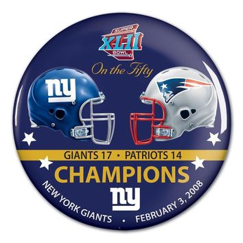 NEW YORK GIANTS NEW ENGLAND PATRIOTS SUPER BOWL XLII CHAMPS ON THE FIFTY BUTTON
