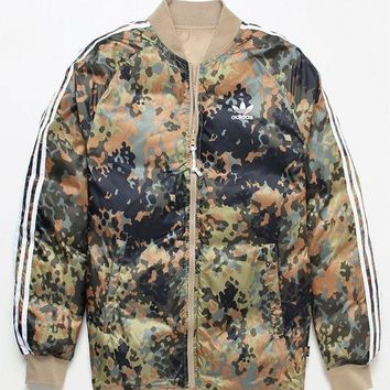DCCKYB5 adidas x Pharrell Williams Hu Hiking Reversible Camo SST Jacket