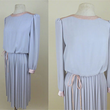 Vintage 1980s Grey and Pink Dress // Pleated Skirt // Long Sleeves // Satin Touches // Medium Large