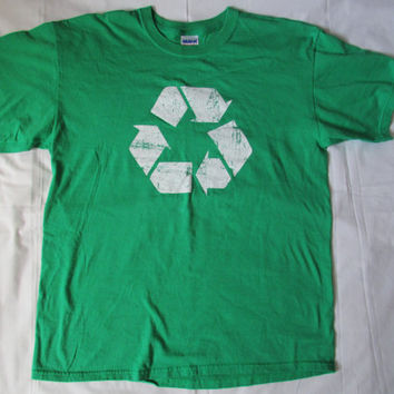14-0809 Green Recycle T Shirt / Environmental T Shirt / Green T Shirt / Recycle Symbol / Cotton T Shirt / Size L / T Shirt