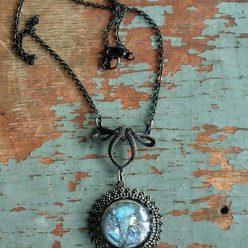 Handmade Art Deco-style black metal and cabochon necklace