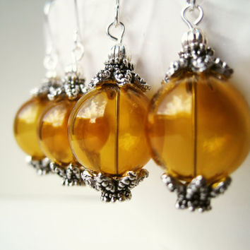 Mustard Yellow Earrings. Hand Blown Glass Earrings. Silver and Yellow Jewelry. Spring Accessories. Dragon Claw Earrings.
