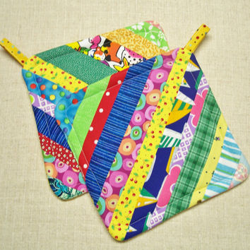 Scrappy Rainbow Strings - Insulated Pot Holders - Set of 2 - Handmade by Me! - Hot Pads, Trivets, Kitchen, Scrappy, Multicolor