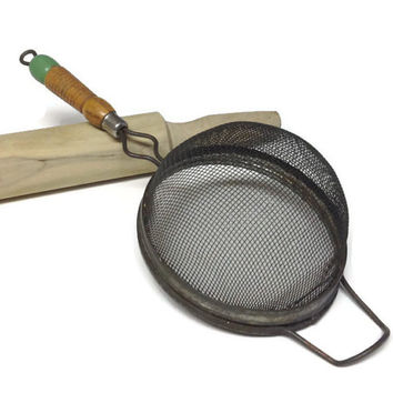 Vintage Wood Handle Strainer, Chippty Green Tip Handle, Country Kitchen, Rustic Farmhouse Decor