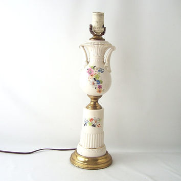 vintage ceramic pottery table lamp white flowers floral gold mid century victorian shabby chic cottage decorative home decor light lighting