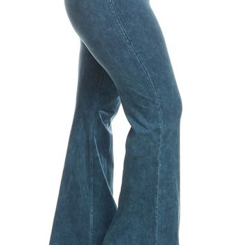 Chatoyant Plus Size Mineral Wash Flare Pants in Cyan