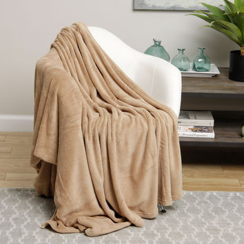 Ultra Soft Tan Design Queen Size Microplush Blanket