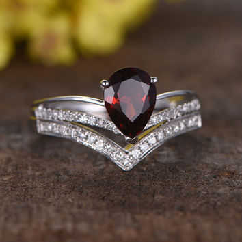 1.1 Carat Pear Shaped Garnet Wedding Set Diamond Engagement Ring 14k White Gold Curved V matching band