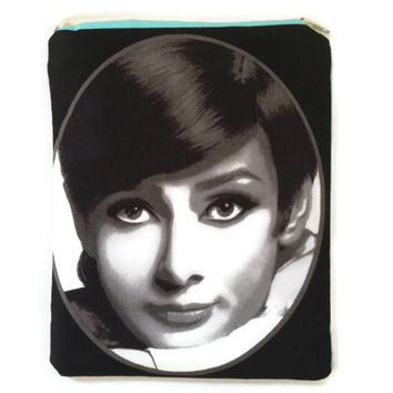 Cosmetic Bag - Audrey Hepburn - Romantic Purse - Girls Accessory - Makeup Bag - Zipper Pouch - Gift Idea for Her - Movies - Black and White