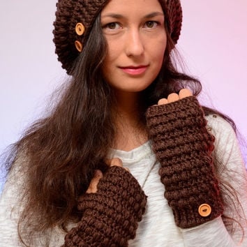 Set of crochet beanie hat and mittens. Romantic merino wool set. Perfect Christmas gift. Brown beanie hat, Chocolate fingerless mittens.
