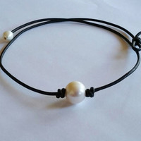 High Quality Pearl and Leather Necklace Choker-03322