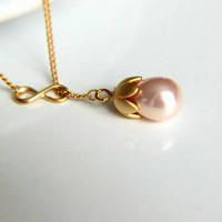 Necklace: Pink pearl in the form of bud with gold plated sepals combined with infinity finding gift for wedding, valentine's, mother's day.