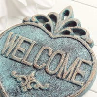 Shabby Chic Welcome Sign / Welcome Home Decor / Welcome  / Housewarming Gift / Vintage Decor / French Country Decor / Heart Decor / Plaque
