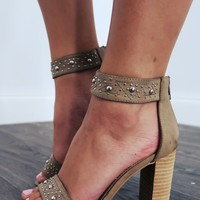 Show Them Off Heels: Taupe/Silver