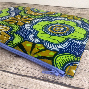 Zip up pouch. Cosmetic bag African print. Zippered pouch, make up,  Purse, cosmetic purse. Wax print