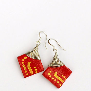 Golden and red earrings. Wirewrapped earrings. Drop earrings. Contemporary jewelry. Red and golden earrings.
