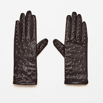 SHORT MINI STUDDED GLOVES DETAILS