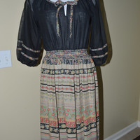 1970s 70s Peasant Style Dress  Border print by HippieSoulVintage