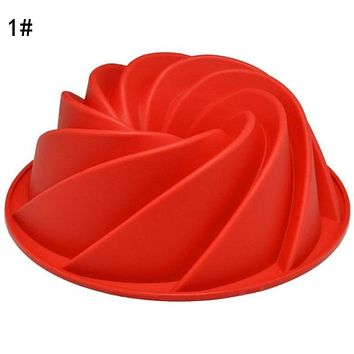 Large Spiral Shaped Bundt Cake Pan, Flower Shaped Silicone Baking Mold Decorating Dessert Cake Pan