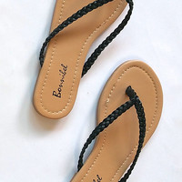 """Dani"" Simple Braided Flip Flop Flat Sandals - Black"