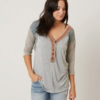 GILDED INTENT HEATHERED HENLEY TOP