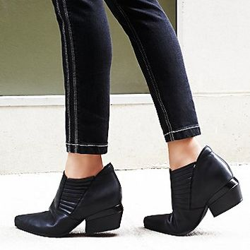 NAYA Womens Outerbanks Ankle Boot