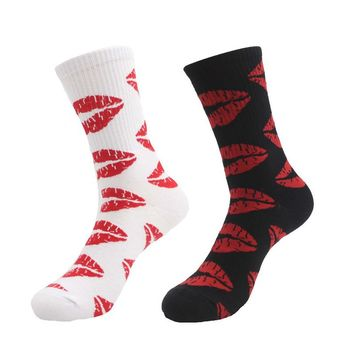 New Fashion Cute Long Sock Of Red Lip Kiss Pattern For Men Women Skate Hiphop street Fixed Gear Black And White Sox