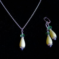 Chartreuse Jade Necklace Earring Set, Yellow Green Jade Jewelry, Jade and Crystal Jewelry