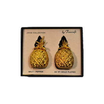 Pineapple Salt & Pepper Shakers Gold Gilded Pineapple Salt Pepper Shakers Pineapple Decor Table Decor Wedding Decor Gold Pineapples