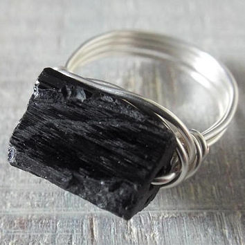 Rough Black Tourmaline Ring, Wire Wrapped Ring, Gothic Ring, Black Stone Ring, Black Tourmaline Jewelry, Chakra Ring, Gift for Best Friend