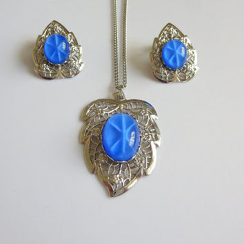 SALE Vintage Blue Star Leaf Necklace Earring Set, Blue Star Sapphire Art Glass Cabochons & Silver Filigree Leaves, Necklace, Matching Earrin