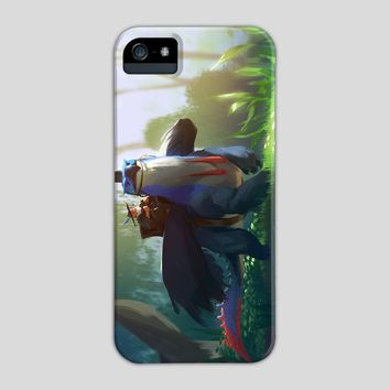 Cassodragon, a phone case by Maximilian Degen