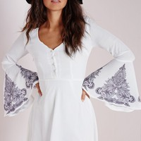 Missguided - Crepe Bell Sleeve Henna Print Skater Dress White