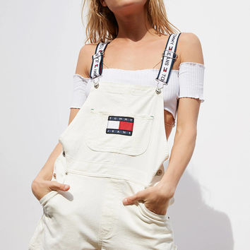 wanelu : Tommy Jeans '90s Shortall Overall | Urban Outfitters