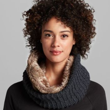 Women's Textured Faux Fur Cowl | Eddie Bauer