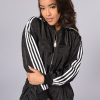Swish Jacket - Black