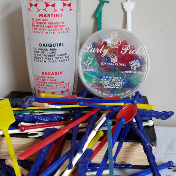1950's Cocktail Mixing Glass with 54 Plastic Multicolored Swizzle Sticks, & 71 Party Picks-Instant Barware Collection-RETRO MadMen ManCave