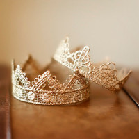 "Set of TWO Crown Props ""DARLING"" & ""BELLA"" (gold or silver)"