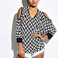 MONOCHROME CHEVRON TOP