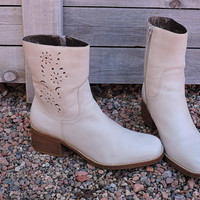 90s Chunky ankle boots 7 / cream / Ivory Candies leather boots made in Brazil / cut out leather detail ankle boots