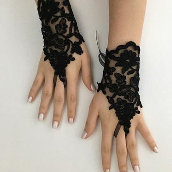 Black Lace Gloves, Goth Wedding Steampunk, goth lace gloves, Bridal Gloves, Party Gloves, Handmade Lace Gloves,