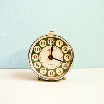 Vintage mechanical alarm clock white green working by EuroVintage