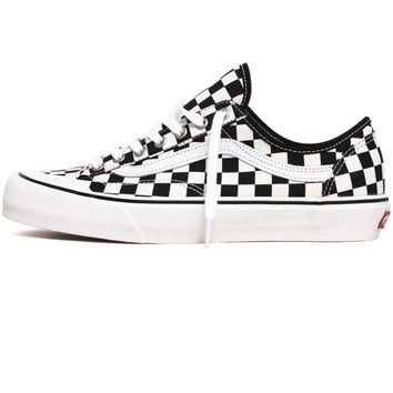 Checker Style 36 Decon Sneakers Black / White