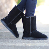 Minnetonka: Olympia Sheepskin Short Boot {Black}