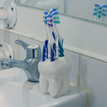 "3D Printed ""Big Tooth"" Toothbrush Holder"