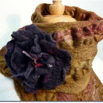 Neckwarmer and Flower brooch gift set. Felt scarf. Caramel Wave