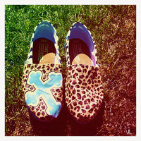 Cross and Cheetah TOMS