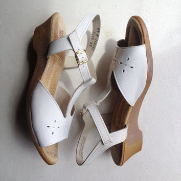 Vintage shoes | 1970s-style white leather wedge heels with ankle strap - US 8.5