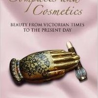 HISTORY OF COMPACTS AND COSMETICS: From Victorian Times to the Present Day (Women With Style) [Hardcover] [2010] Madeleine Marsh